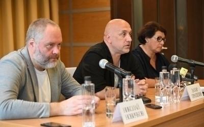 Захар Прилепин на пресс-конференции в Кемерово о решении проблемы оттока населения из регионов и использовании опыта социалистической системы