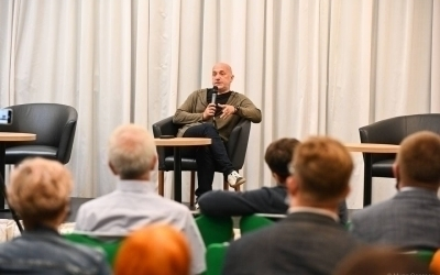 Встреча Захара Прилепина с читателями в Новокузнецке