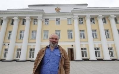 Гвардия Захара Прилепина в коридорах Нижегородской области
