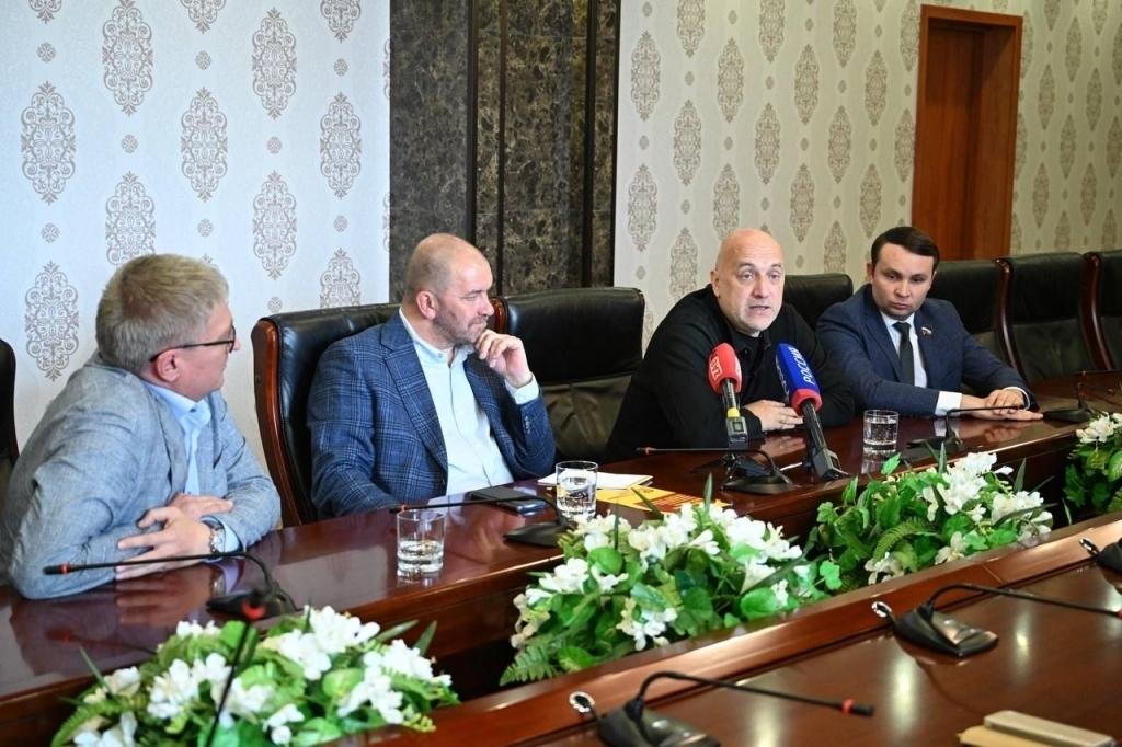 Захар Прилепин посетил Забайкалье в рамках предвыборной поездки 1