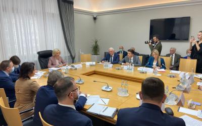 В Государственной Думе начал свою работу Комитет по просвещению